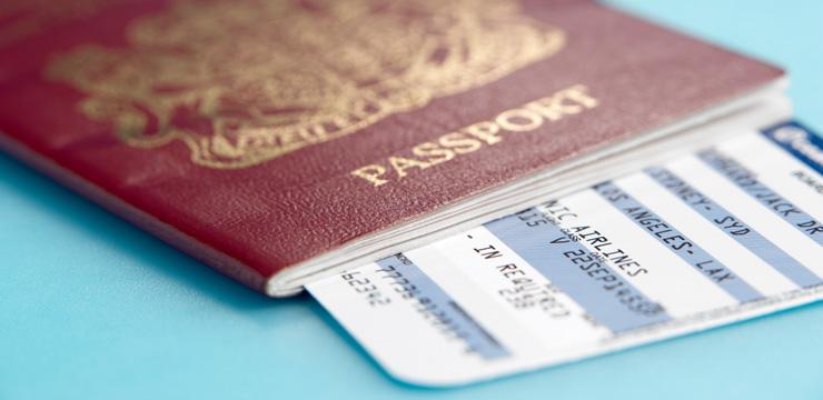 Где дешевле купить билеты на самолет: в кассе или через интернет?